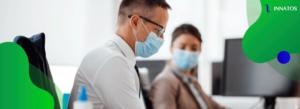 Innatos - La salud mental en el trabajo durante el coronavirus: pautas para los líderes - persona con tapabocas